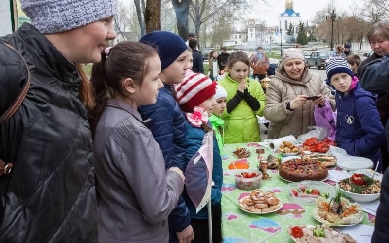 В городе Дятьково Вербное воскресенье отметили фестивалем постной кухни