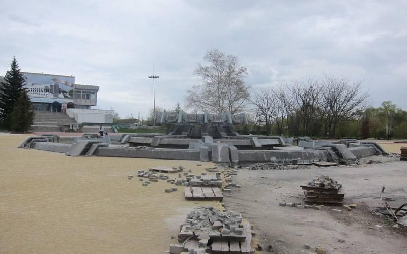 Брянские власти обещают продолжить работу поблагоустройству Набережной