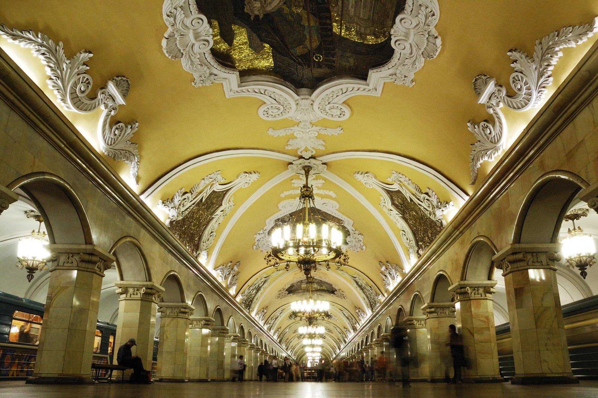 Московское метро — подземное зеркало истории России