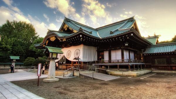 Министр общенациональных дел Японии посетила храм Ясукуни