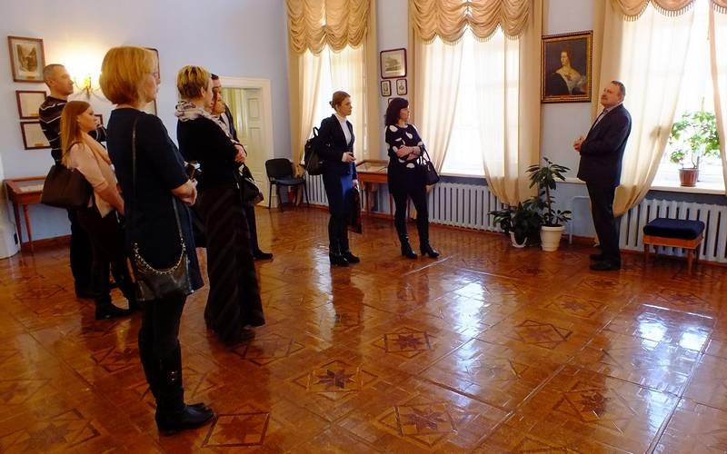В майские праздники брянцев приглашают наэкскурсии взаповедник Тютчева
