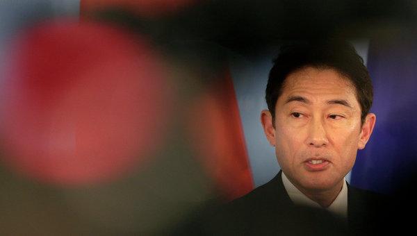 Глава МИД Японии впервые за три с лишним года прибыл в КНР