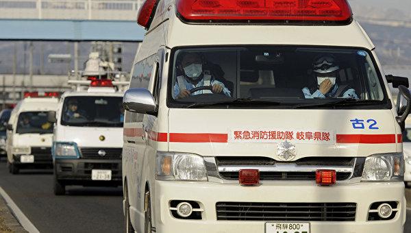 В японском городе Кобэ при обрушении моста пострадали девять человек