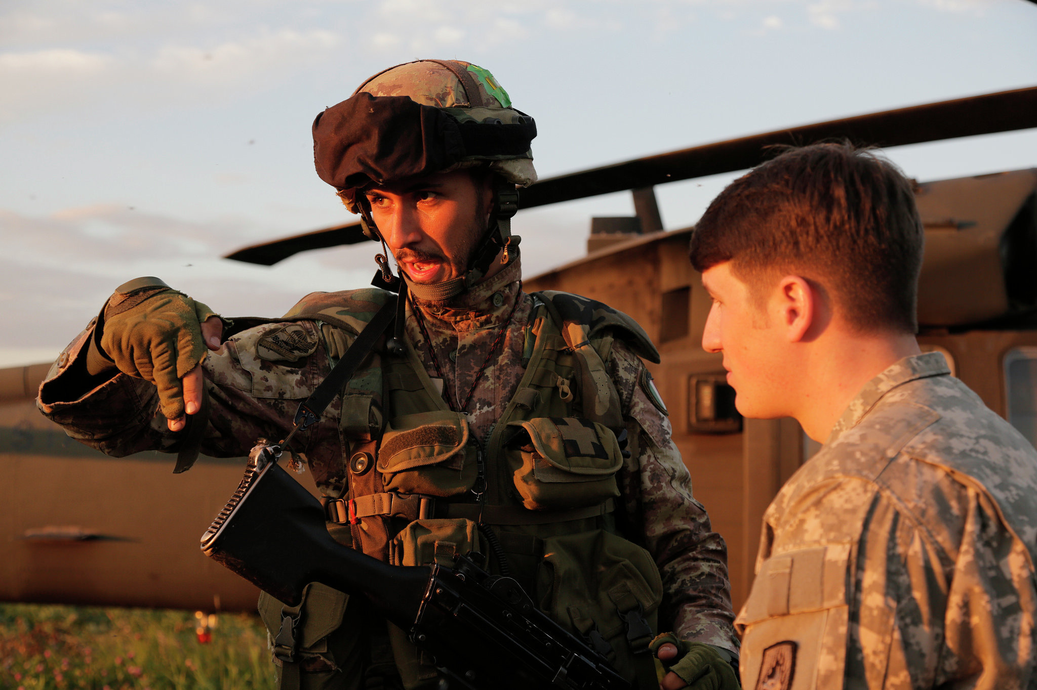 Укрепление НАТО: В Прибалтике, словно в Западном Берлине