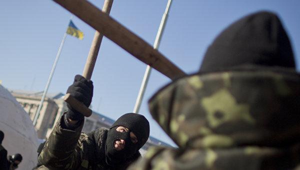 СМИ: в Киеве радикалы облили памятник чекистам краской