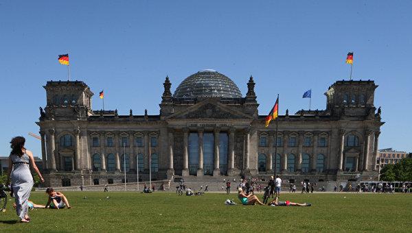 Большинство немцев выступает за отмену или смягчение санкций в отношении РФ