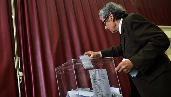 Избирком Сербии пересчитает голоса на 99 участках