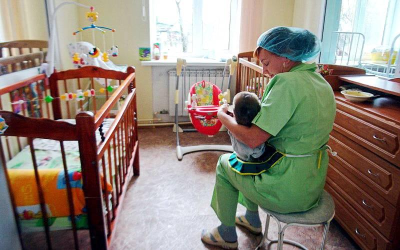 В Брянске 13 детей хотят обрести семью
