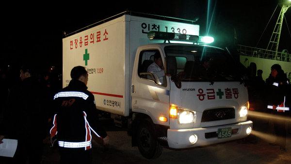 В Южной Корее поезд сошел с рельсов