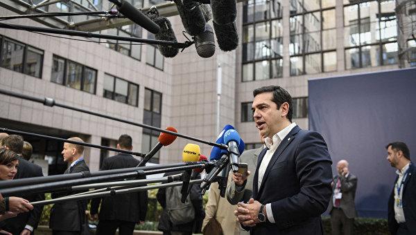 Премьер Греции потребует срочно созвать внеочередной саммит ЕС