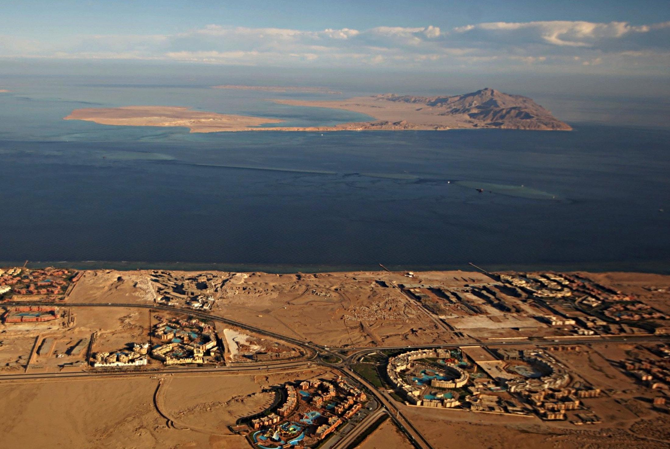 Саудовская Аравия купила Египет и хочет установить свой контроль над Красным морем