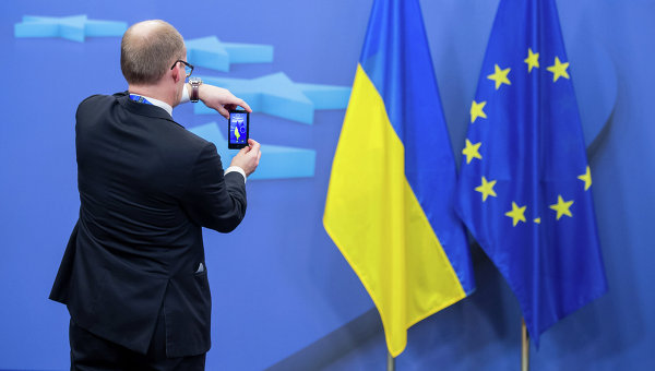 ЕК выступила с законодательной инициативой отменить визы для украинцев