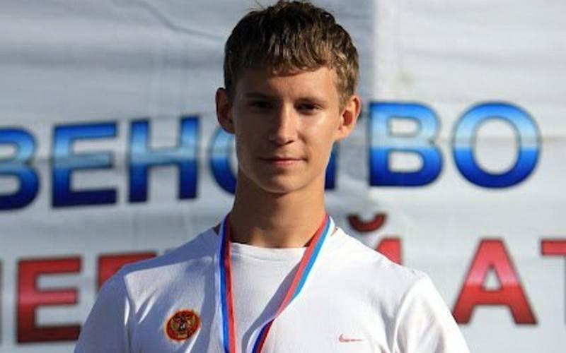 Брянский бегун Денис Огарков стал мастером спорта международного класса