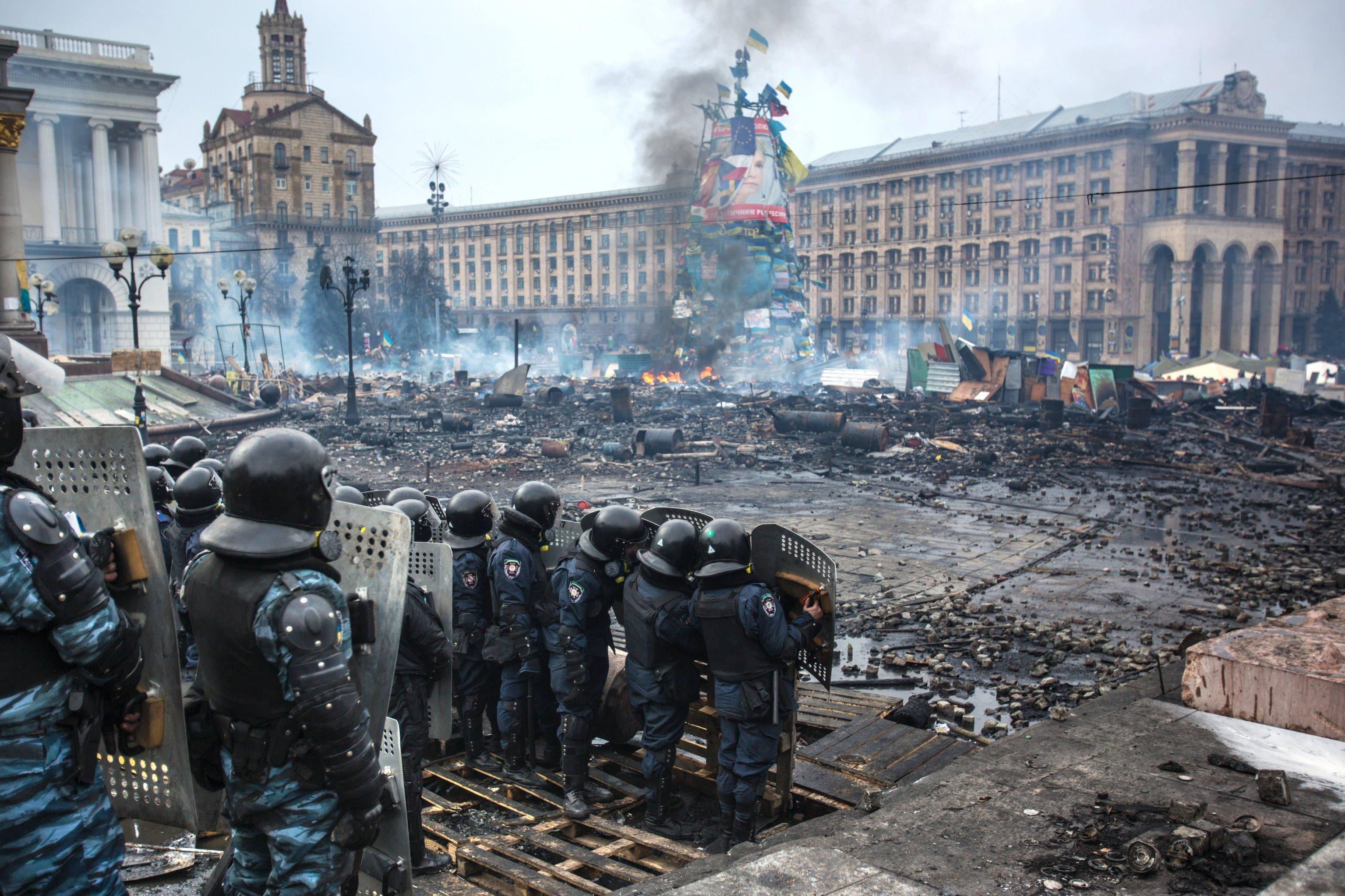 Что, обманули вас на Майдане, развели? Отвечать за свое лоховство не хочется?