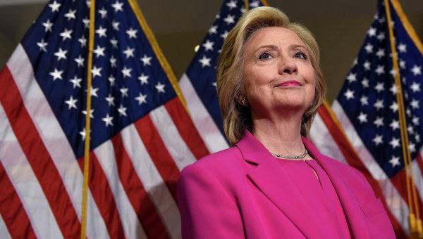 СМИ: хакер, утверждающий, что взломал почту Клинтон, дает показания ФБР