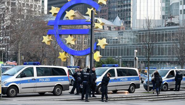 Глава Еврогруппы: ЕЦБ может быть эффективнее