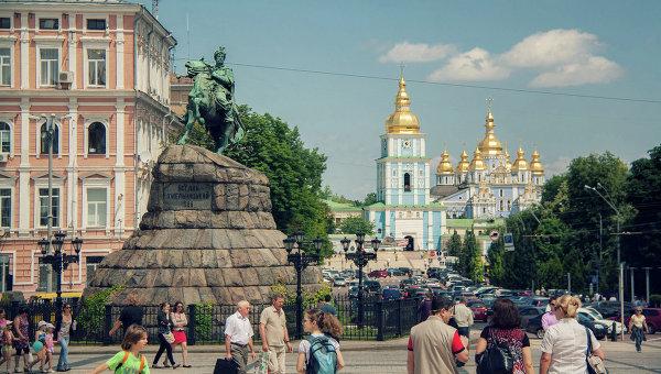 Полиция расследует стрельбу в центре Киева, где ранили мужчину