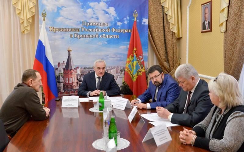 Замполпреда президента вЦФО пообещал решить транспортную проблему жителей села Толмачево