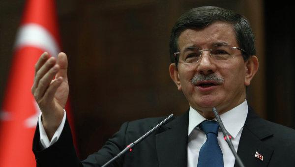 Эксперт: Эрдоган сместит Давутоглу с поста лидера партии