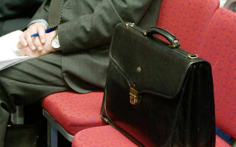 Навлинского чиновника лишили депутатских полномочий