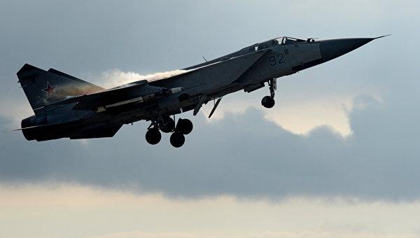 СМИ сообщили о перехвате разведсамолета США российским МиГ-31 у Камчатки