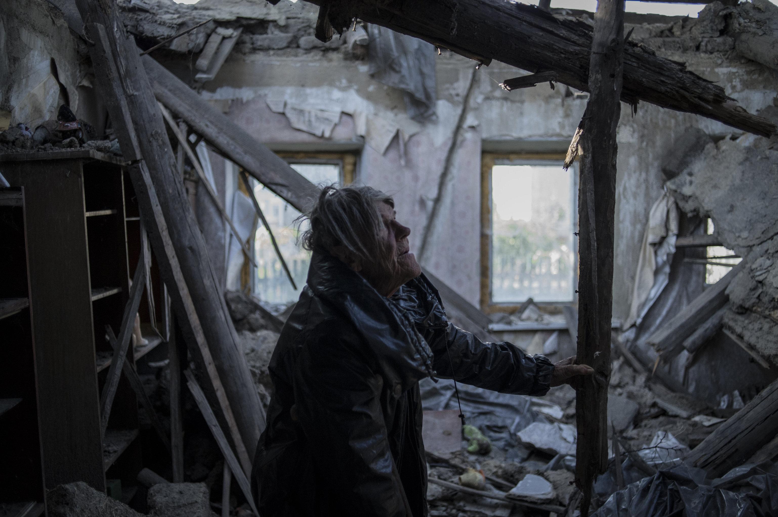 «Нас бомбили, мы жили в подвале, наши дома разрушены»