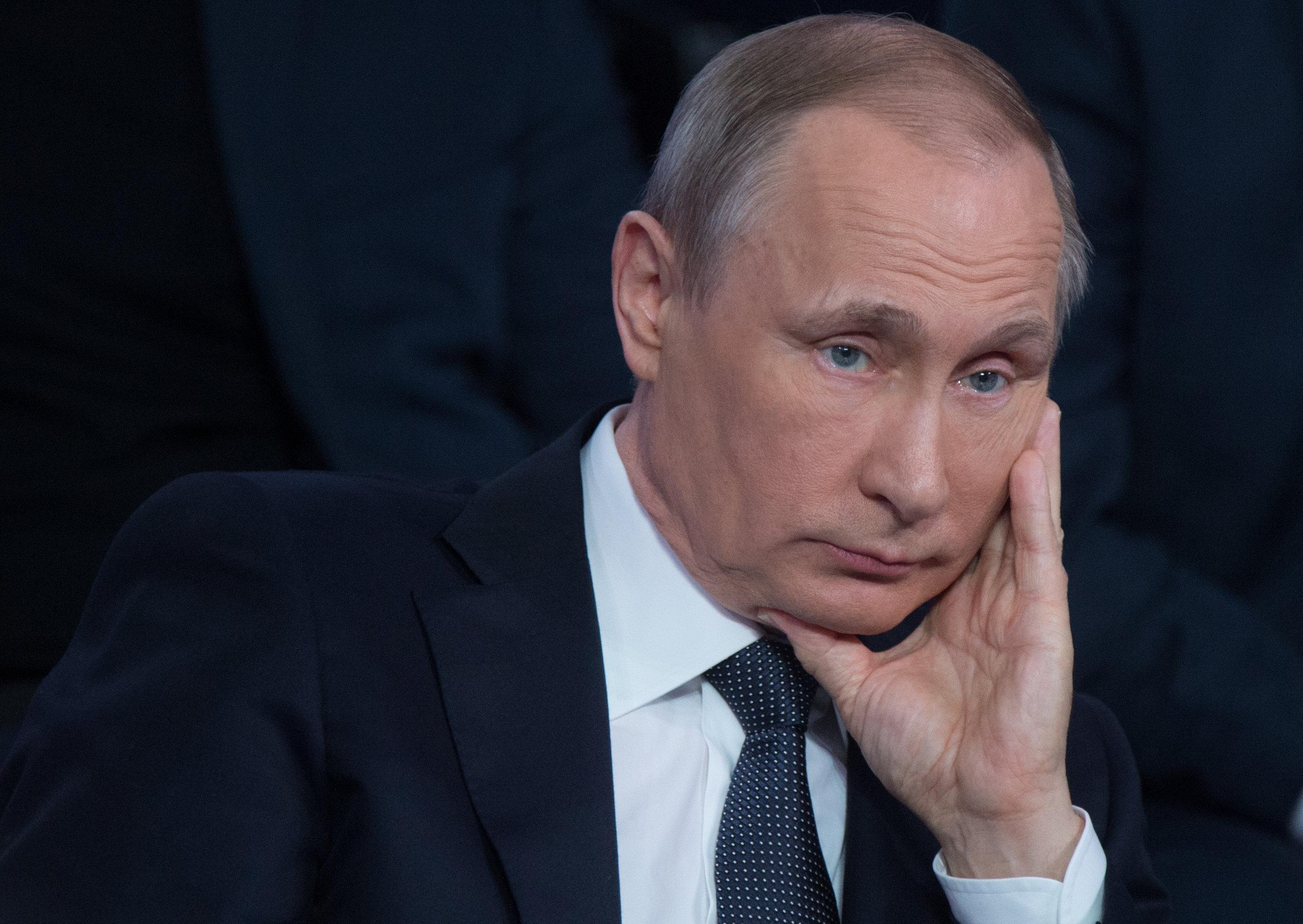 Путин притих и выжидает