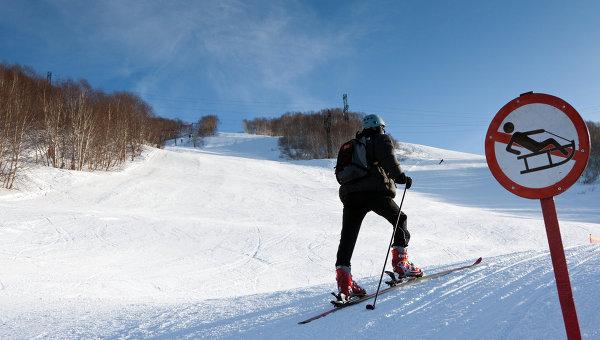 Два ски-альпиниста погибли в горах на севере Италии из-за схода лавины