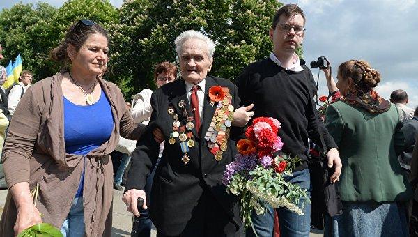 В Киеве в ходе мероприятий в День Победы задержали трех человек