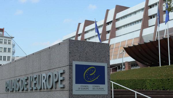 Еврокомиссар по миграции проводит встречу с турецким министром по делам ЕС