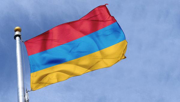 Премьер Армении: Ереван обсуждает со Степанакертом договор о военной помощи