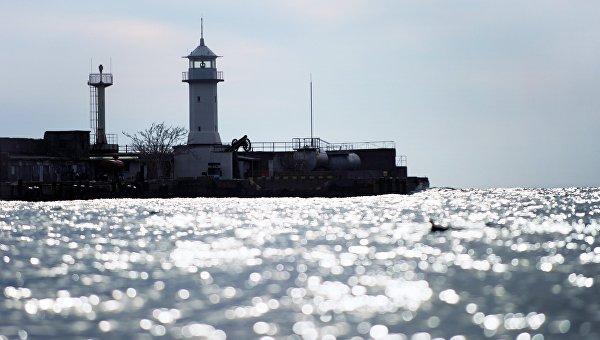 Украина обратилась к РФ за данными о разливе нефтепродуктов в Черном море