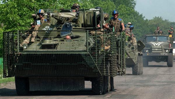 В ДНР заявляют, что силовики стягивают в Донбасс танки и артиллерию