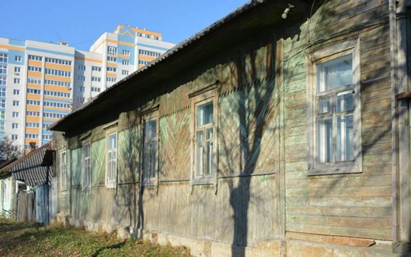 Более 100 бараков Брянска снесут косени 2017 года