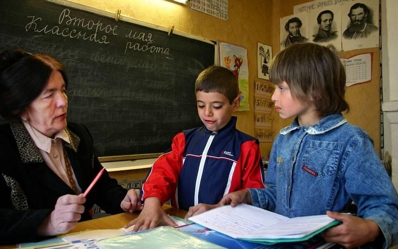 В Новозыбковском районе 37 учителей добиваются прошлогодних выплат