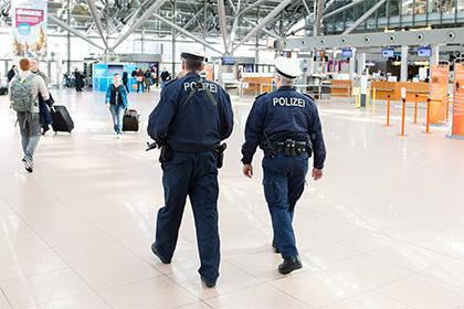 Сообщение о бомбе на борту самолета запутало полицию ФРГ