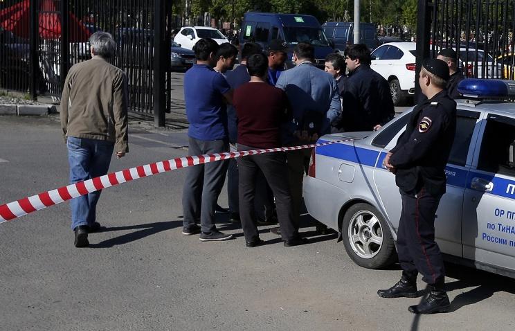 Источник: три человека погибли в массовой драке на московском кладбище