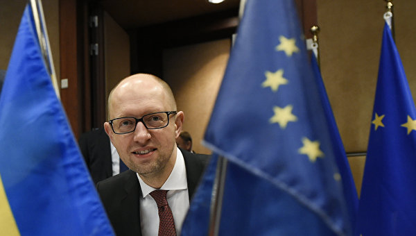 Украинцы предлагают Порошенко назначить Яценюка послом в России