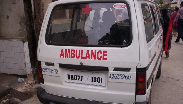 В Индии авария с участием самосвала и авторикши унесла жизни 15 человек