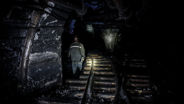 В ЛНР из-под завалов шахты извлекли тела пяти горняков