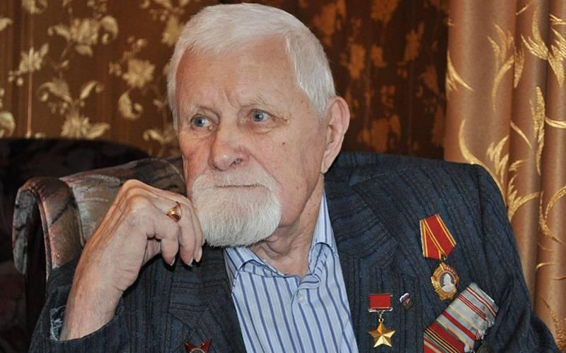 О брянском знаменосце Победы Иване Лысенко рассказали нателеканале «Звезда»