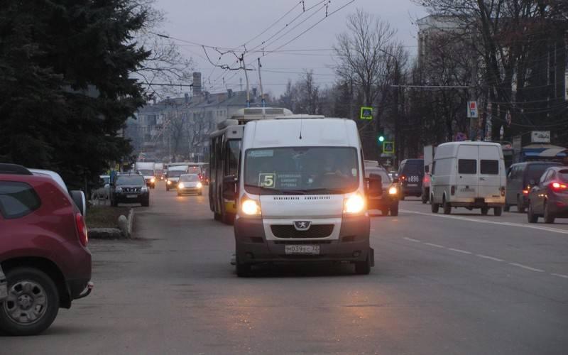 Брянские коммерческие перевозчики работали безкарт маршрута, расписания ирегистраторов