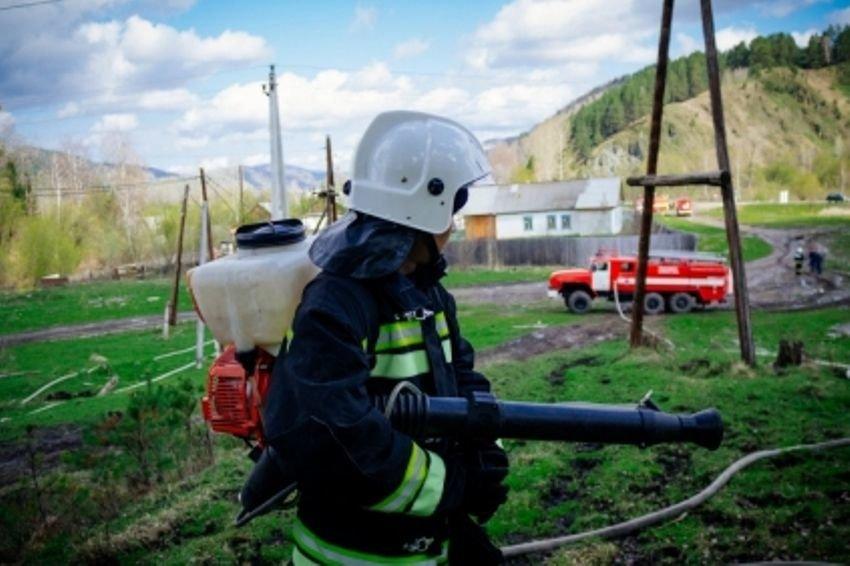 В Республике Алтай сгорела сельская школа