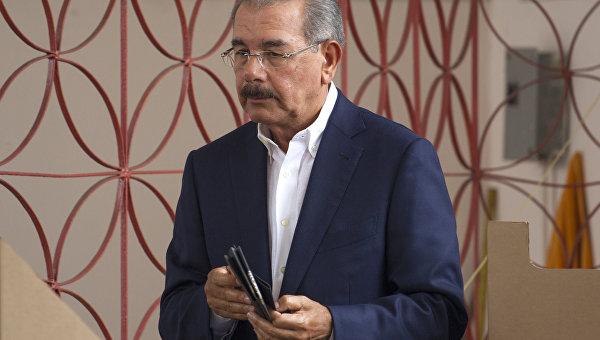 В Доминикане на выборах продолжает лидировать действующий президент