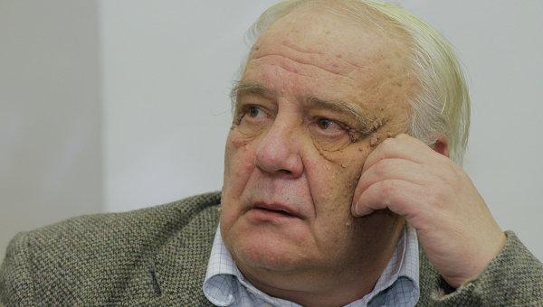 Обвиняемый в производстве детской порнографии Буковский прекратил голодовку