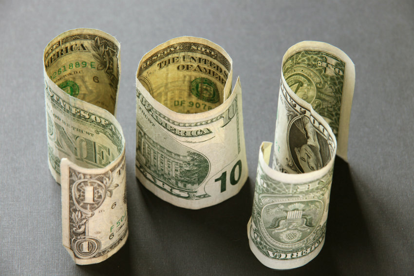 К осени доллар и евро ждут новые высоты