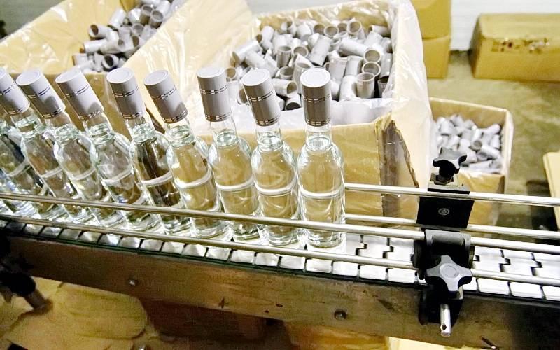 В Брянской области ждет суда хозяин нелегального цеха попроизводству спиртного