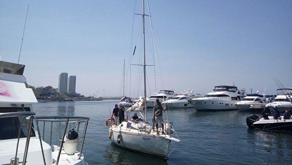 Во Владивостоке причалила приморская яхта, ранее задержанная КНДР