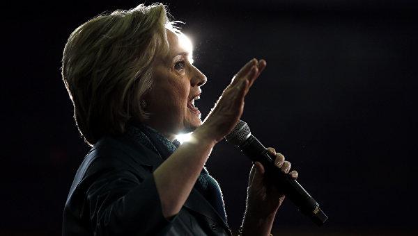 Клинтон одержала победу в Кентукки, разделив голоса с Сандерсом