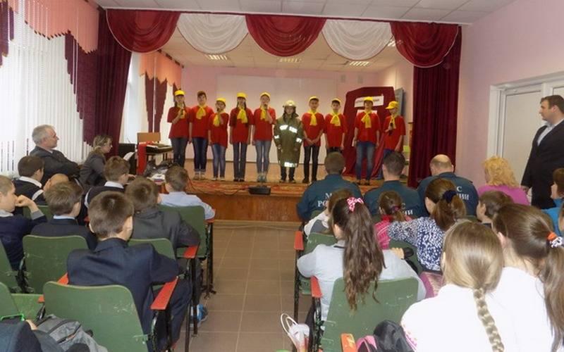 Новозыбковские «Агенты 01» проводят уроки пожарной безопасности